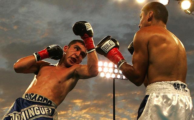 muži, box, světla