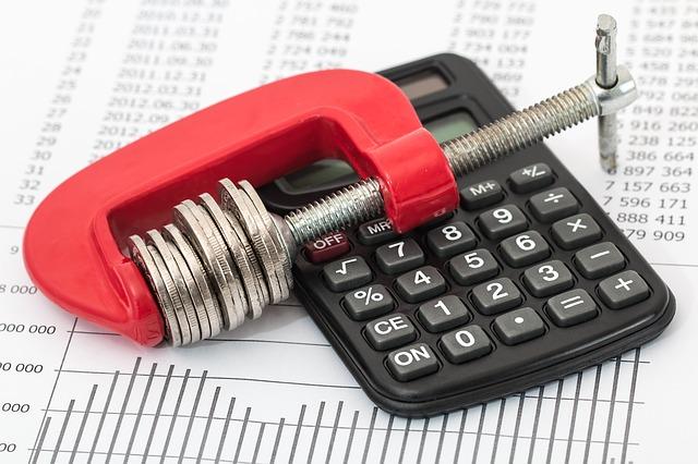 úspory z rozpočtu