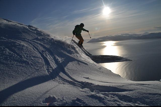 lyžař a sníh